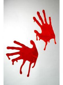 Décoration Halloween, les mains en sang